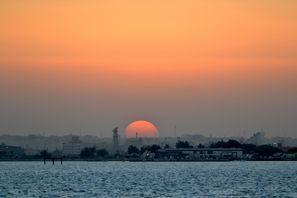 Lloguer de cotxes Sitra, Bahrain
